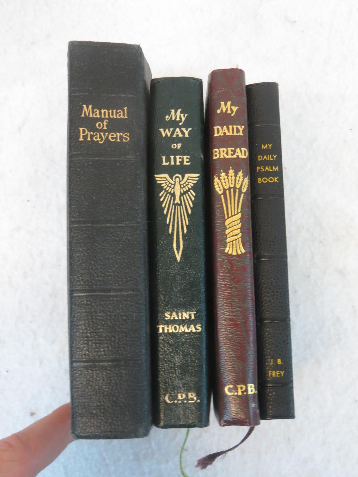 coach pocketbooks outlet  prayer books